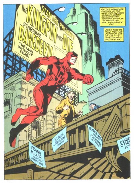 Frank Miller intègre le titre et les crédits dans le décor de sa planche BD.