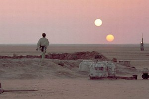 luke-skywalker-on-his-home-planet-tatooine